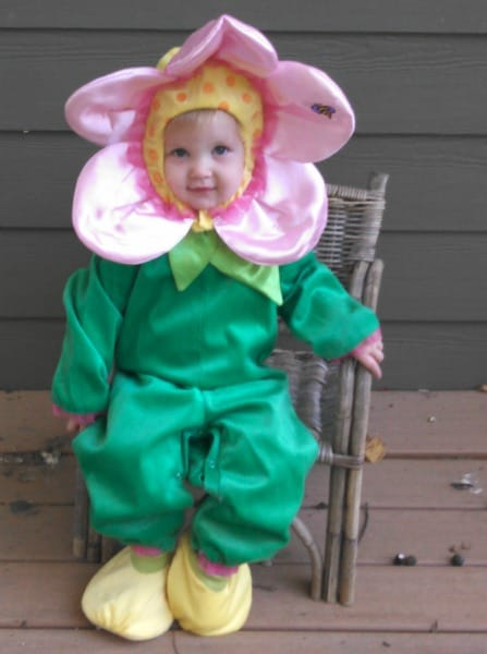 One step ahead – adorable flower costume #Giveaway
